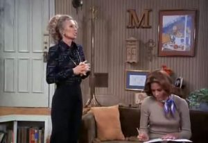 Letter-M-on-Marys-Wall-in-The-Mary-Tyler-Moore-Show1