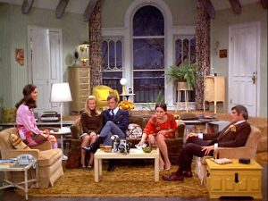 Mary-Tyler-Moore-Show-apartment-set