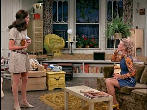 Mary-and-Phyllis-on-the-Mary-Tyler-Moore-Show